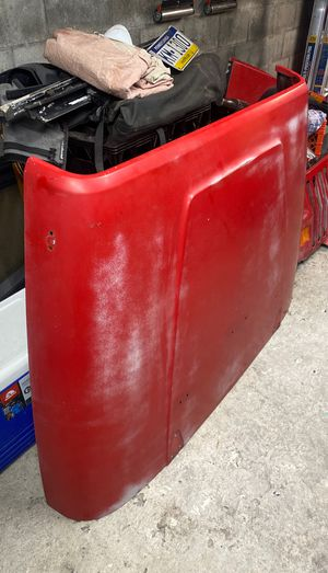 87-93 yj hood original rust free for Sale in Philadelphia, PA