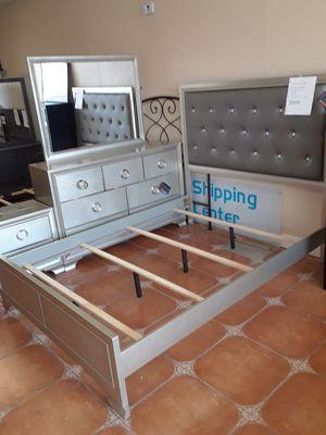 4 piece queen bedroom set queen bed frame dresser and nightstand for Sale in Antioch, CA
