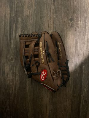 Rawlings Baseball Glove for Sale in Duquesne, PA
