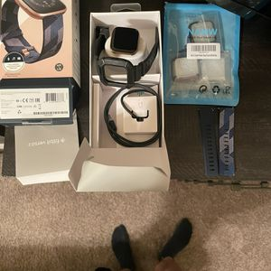 Fitbit Versa 2 Special Edition for Sale in Houston, TX