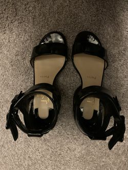 Louis Vuitton sandals 4 1/2 to 5 1/2 for Sale in Morrisville,  NC