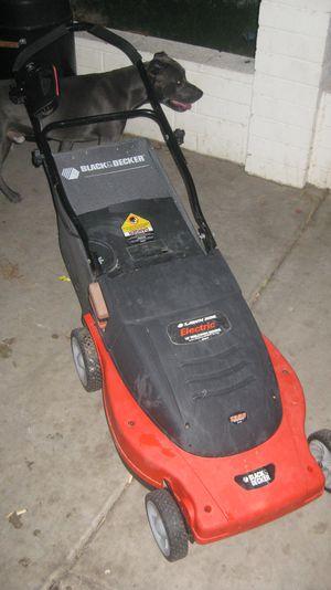 Black and Decker Lawn Hog 19 inch Electric ( plug in ) Mulching Mower for Sale in Phoenix, AZ