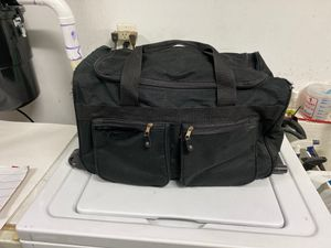 Free Rolling Duffle Bag with Telescope Handle for Sale in Wake Forest, NC