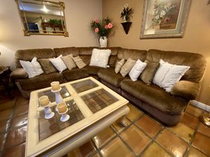 3 Piece Pull out Sofa Couch for Sale in Las Vegas, NV