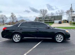 2011 Avalon PERFECT CONDITIONS!! for Sale in Osage Beach, MO