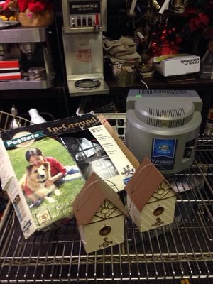 Pet Safe wire dog control grouping. Bark deterrent for Sale in St. Louis, MO