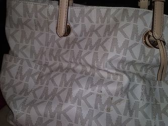 MK Purse With Wallet for Sale in San Angelo,  TX
