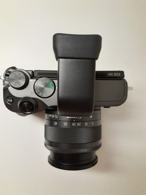 Canon EOS M6 Mirrorless camera with 15-45mm and Viewfinder for Sale in Miami, FL