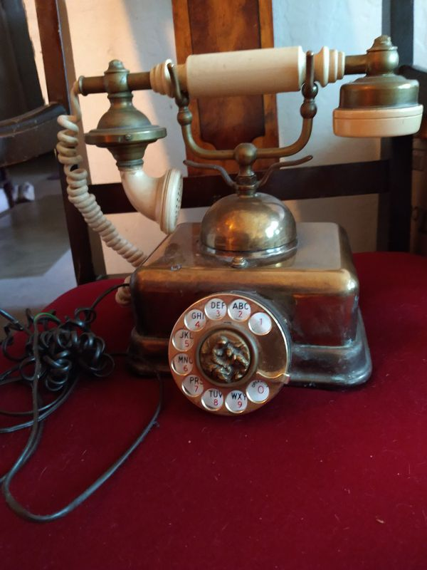 Antique style vintage phone