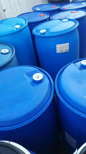 Mint condition like new 55 gallons plastic barrels $20each for Sale in Bloomington, CA