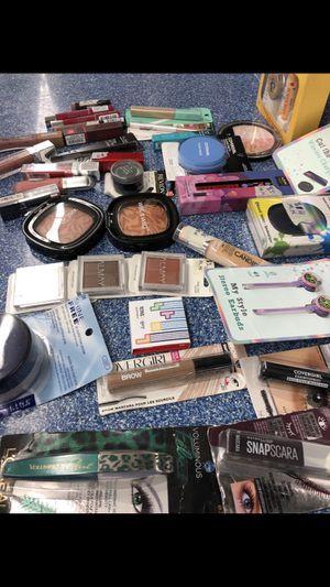Make up for sale check description for Sale in Rock Island, IL