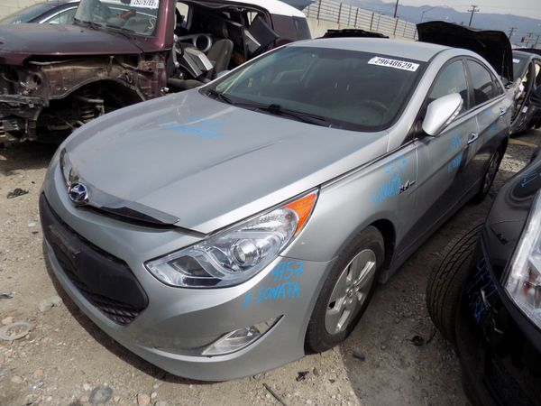 2011 Hyundai Sonata 2.4L (PARTING OUT)