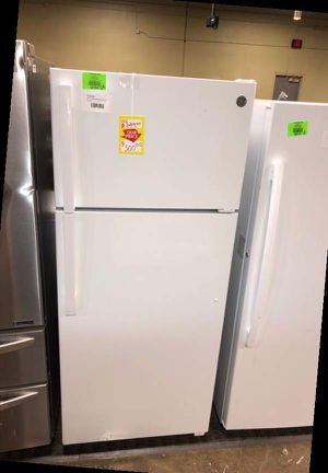 Brand New GE 17.5 cu ft Top Freezer Refrigerator M2U for Sale in Dallas, TX
