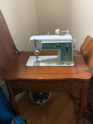 Singer Sewing Machine for Sale in Rockville, MD