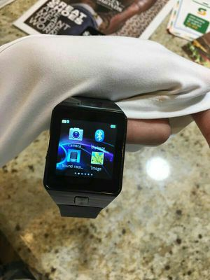 ♡global smartwatch with camera bluetooth or simcard♡ for Sale in McAllen, TX