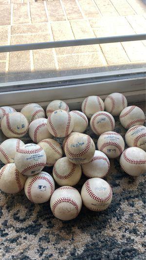 MLB BALLS for Sale in Pico Rivera, CA