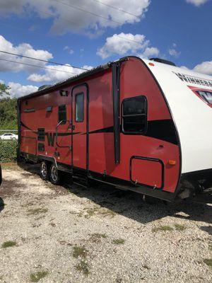 2014 24 foot Winnebago Minnie Winnie travel trailer for Sale in Clermont, FL