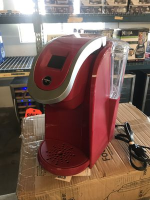 Used Keurig K200 2.0 coffee maker brewer for Sale in Upland, CA