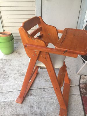 High chair for Sale in Buffalo Grove, IL