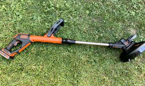 14 in. 6.5-Amp Corded Electric Straight Shaft Single Line 2-in-1 String Grass Trimmer/Lawn Edger for Sale in Irwindale, CA
