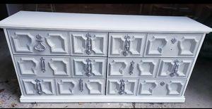 Dresser for Sale in Collinsville, IL