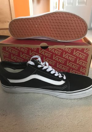Men vans shoes/size 9.5/new and never use that shoes for Sale in Frederick, MD
