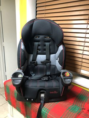 Car seat- asiento para carro for Sale in Columbus, GA