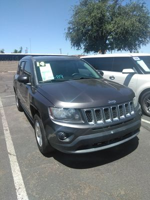 2014 jeep compass 🌃 starting at $799 down payment 🌃 everyone is welcome 🌃 aqui su amigo jesus les ayuda for Sale in Glendale, AZ