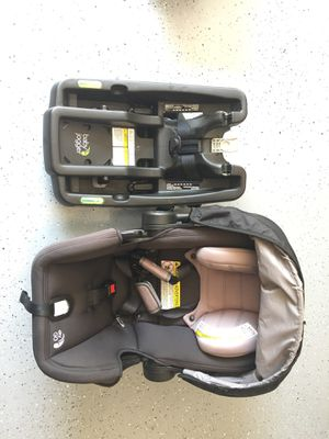 Baby jogger pluggable car seat with base for Sale in North Potomac, MD