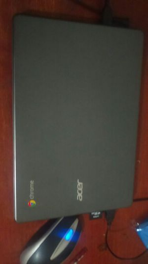 Acer C720 Chromebook with windows 8 installed for Sale in Fort Lauderdale, FL