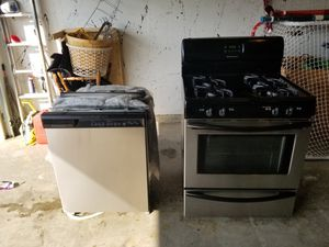 Frigidaire oven and dishwasher for Sale in Oak Forest, IL