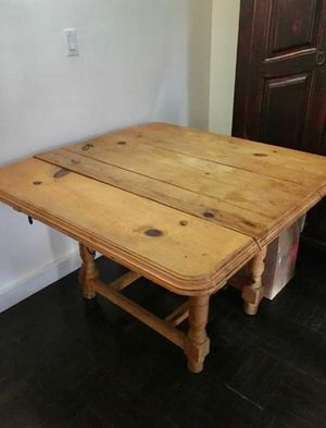 Antique drop leaf rustic farm table. for Sale in New York, NY