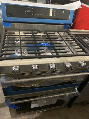Gas stove kitchen Aid brand new,stainless steel for Sale in Miami, FL