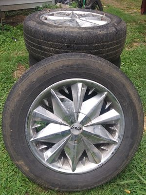 Set of 17 in Lexani Rims and 8 used tires for Sale in Jackson, TN