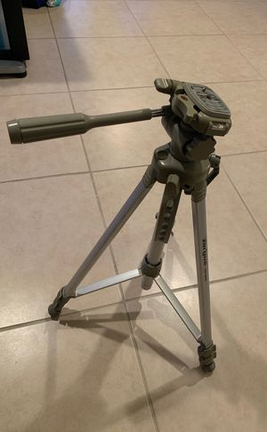 "Targus Tripod for camera 58"" extendable for Sale in Port St. Lucie, FL"