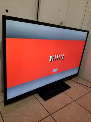 Smart tv Sharp 60in súper thin led $380 obo cash only for Sale in Scottsdale, AZ