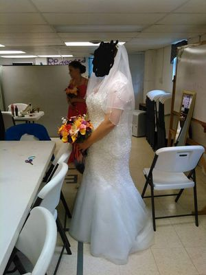 Wedding dress for Sale in Cranesville, PA