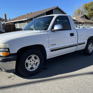 2000 Chevy Silverado Short Bed 5.3 V-8 for Sale in Modesto, CA