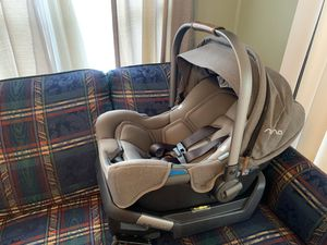 Nina pipa infant car seat and base for Sale in Thomasville, NC