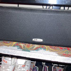 1 Polk monitor 10 series Center speaker for Sale in St. Louis, MO