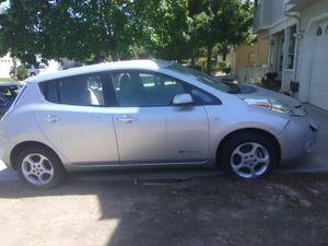 2011 Nissan Leaf *needs a little TLC for Sale in Fresno, CA
