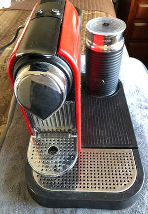 Nespresso coffee maker excellent condition used few times for Sale in Revere, MA