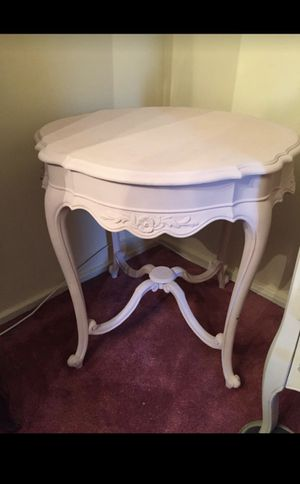 Shabby chic table for Sale in White Plains, NY