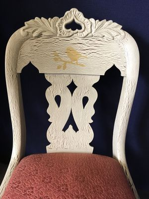 Antique accent chair for Sale in Houston, TX