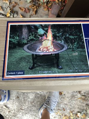 Mainstays 4- leg wood burning fire pit for Sale in Gainesville, GA