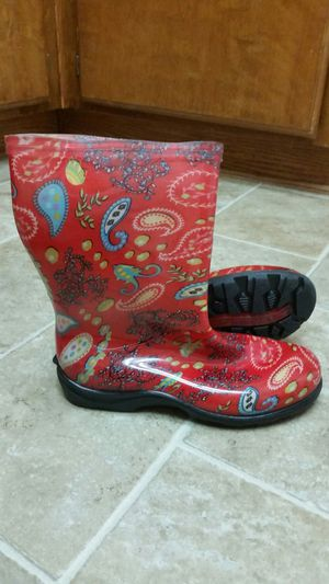 Woman Sloggers Rain And Garden Boots. Size 9 for Sale in Palmdale, CA