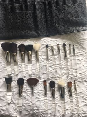 MAKEUP ARTIST BRUSHES- TRISH McEvoy for Sale in Kent, WA