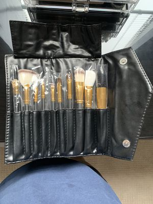 Makeup brush set for Sale in Atlanta, GA