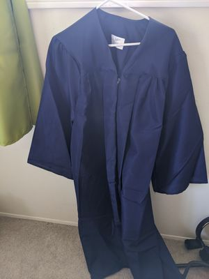 """Graduation Gown 5'7""""-5'10"""" for Sale in San Diego, CA"""