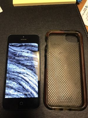 Iphone 5 with case for Sale in Orlando, FL